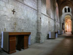 abbaye-fontgombault-18353_w300